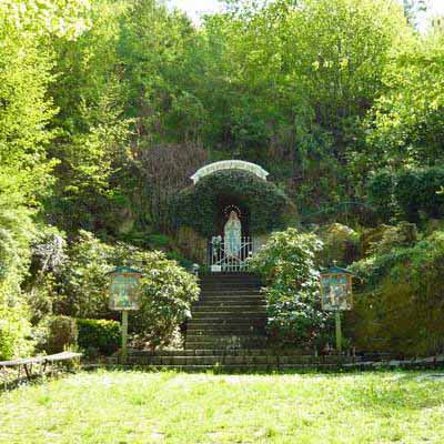 Poutní jeskyně Panny Marie Lurdské