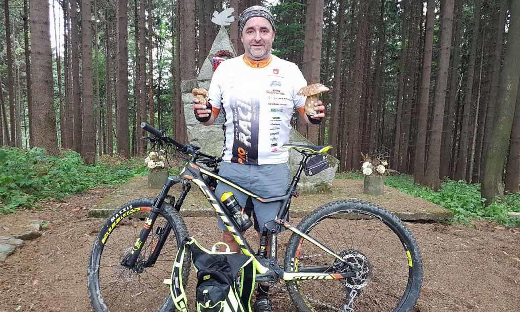Ivan Šafařík při zdolávání vrcholů i houbařil