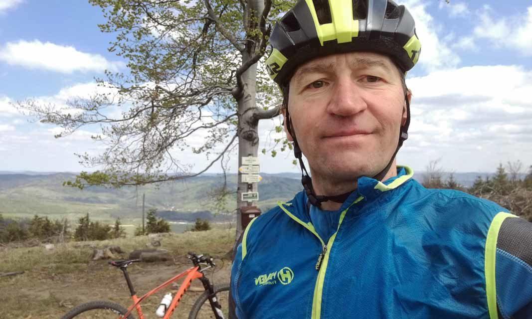 Zdeněk Andrys strávil na kole za vrcholy VKV 32 hodin