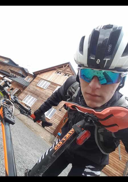 Jan Masař objel vrcholy ve dvou etapách