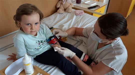 Véčkaři finančně pomohli malým pacientům. DĚKUJEME!